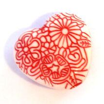 4 db Nagyméretű szív, virágmintás akril gyöngy Piros