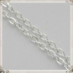 Ródiumos lapított kereszt szemű vékony lánc 50 cm