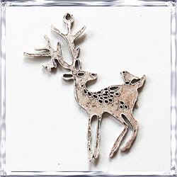 Antikolt ezüst színű szarvas medál NIKKELMENTES