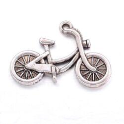 Antikolt ezüst színű kerékpár függő dísz
