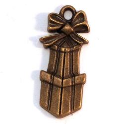Antikolt bronz színű csomagok függő dísz NIKKELMENTES