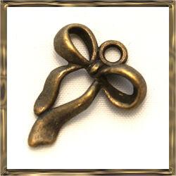 Antikolt bronz színű masni függő dísz NIKKELMENTES