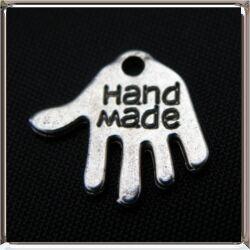 1 db Antikolt ezüst színű Tibeti stílusú Hand Made kéz medál függő NIKKELMENTES