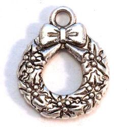 Antikolt ezüst színű koszorú magyallal függő dísz