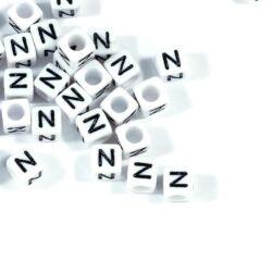 4 db Fehér színű, kocka alakú N betű gyöngy