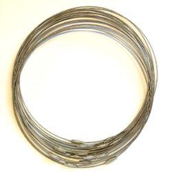 Merev sodrony nyaklánc ezüst színű