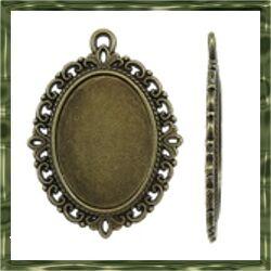 Antikolt bronz színű, cink ötvözet ovális medál 30x40 mm (belső: 18x25 mm) NIKKELMENTES