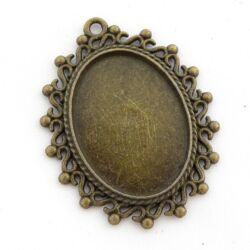 Antikolt bronz színű ovális csipkés medál kaboson foglalat 18x25 mm NIKKELMENTES