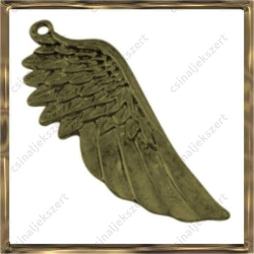 Antikolt bronz színű, hatalmas angyalszárny medál