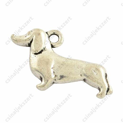 Antikolt ezüst színű tacskó kutya függő dísz
