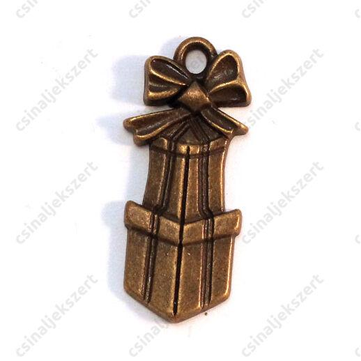 Antikolt bronz színű csomagok függő dísz