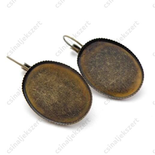 Antikolt sárgaréz színű, ovális tányéros, francia kapcsos fülbevaló alap 18x25 mm