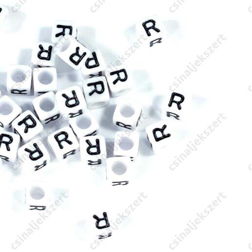 Fehér színű, kocka alakú R betű gyöngy