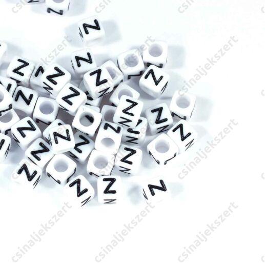 Fehér színű, kocka alakú Z betű gyöngy