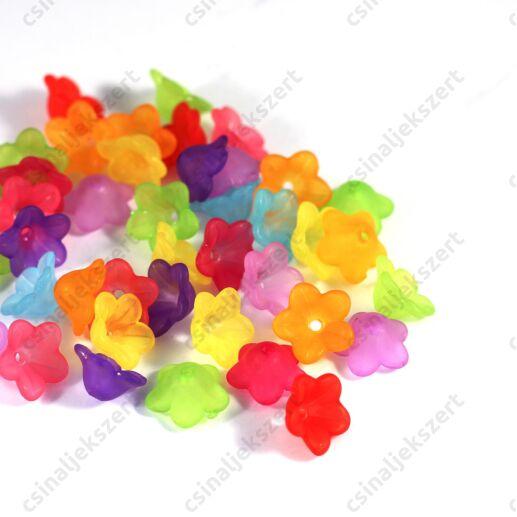 Vegyes színű 13x6 mm méretű, jeges hatású virág gyöngy