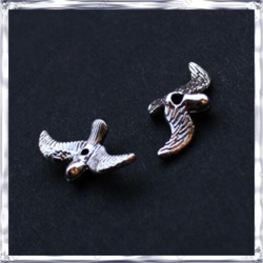 Antikolt ezüst színű repülő madár 3D függő dísz