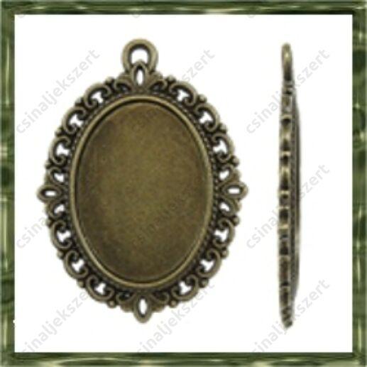 Antikolt bronz színű, cink ötvözet ovális medál 30x40 mm (belső: 18x25 mm)