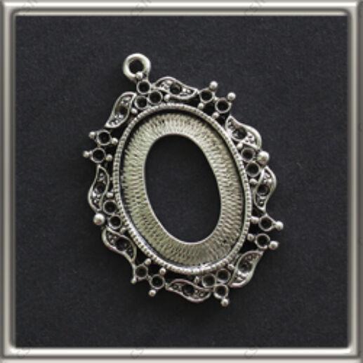 Antikolt ezüst színű lyukas hátú díszes ovális medál alap