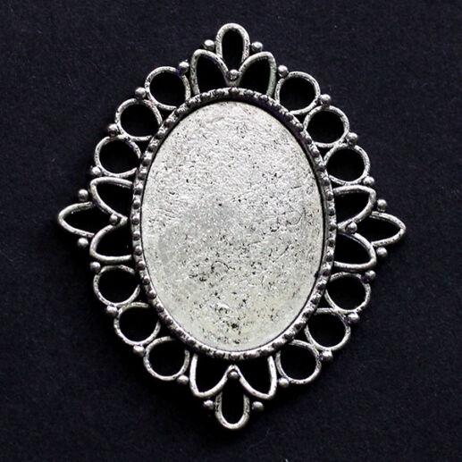 Antikolt ezüst színű ovális kapcsoló elem, medál alap 18x25 mm