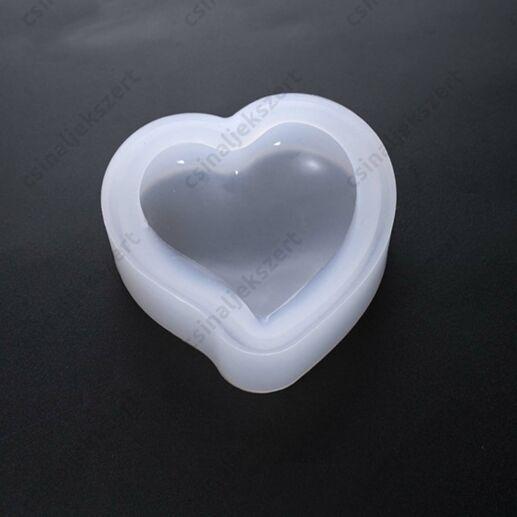 5 cm-es Nagy méretű, domború, hajlított csúcsú szív medál szilikon öntőforma