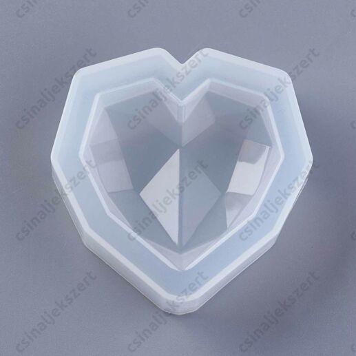 Csiszolt felületű 56x56 mm szív szilikon öntőforma 1